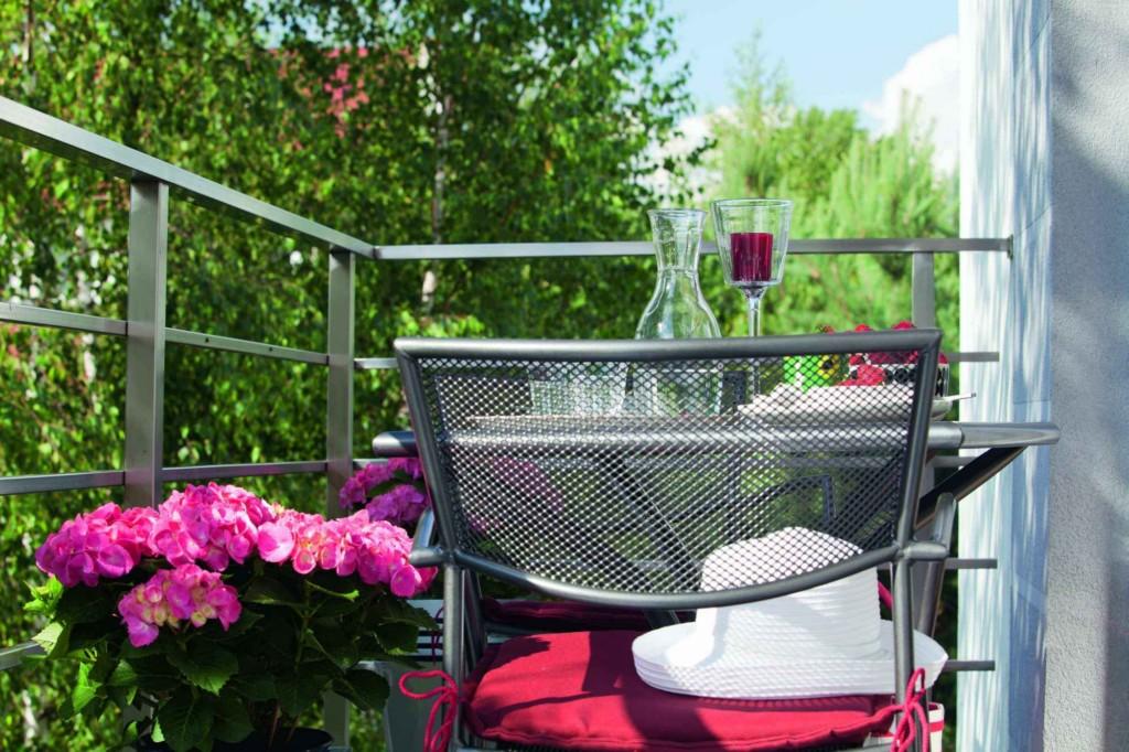 Oaza zieleni na balkonie - dobre miejsce do odpoczynku po pr.